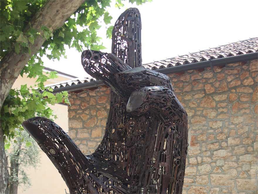 Ettore Peroni scultore a Torri del Benaco - VR